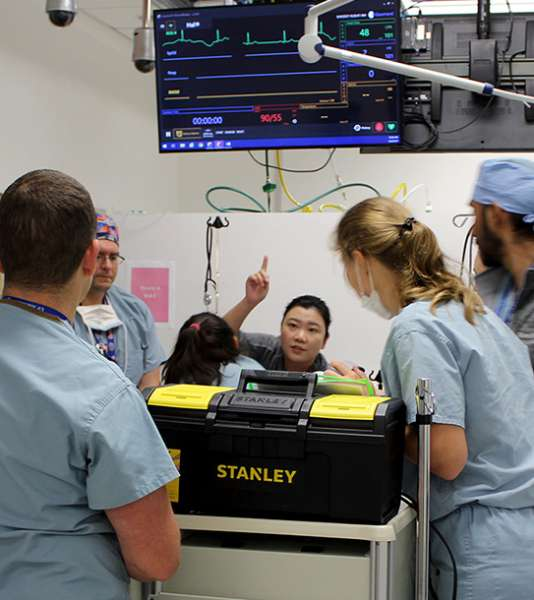Residents learning on a simulator