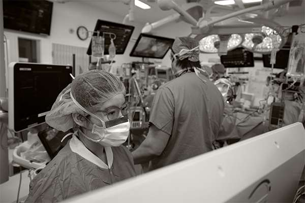 Doctor Li in the operating room